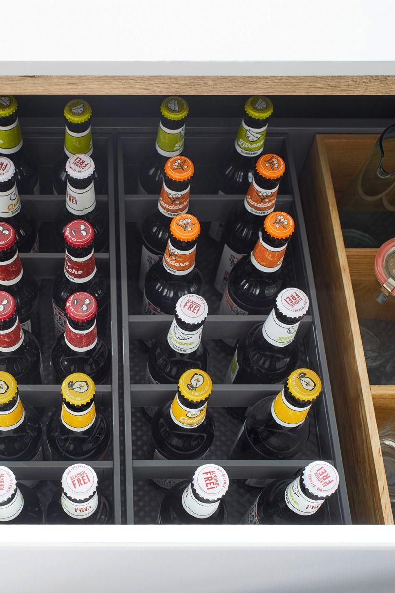 arranged bottles in drawers Flair S 40095 Kitchen Design