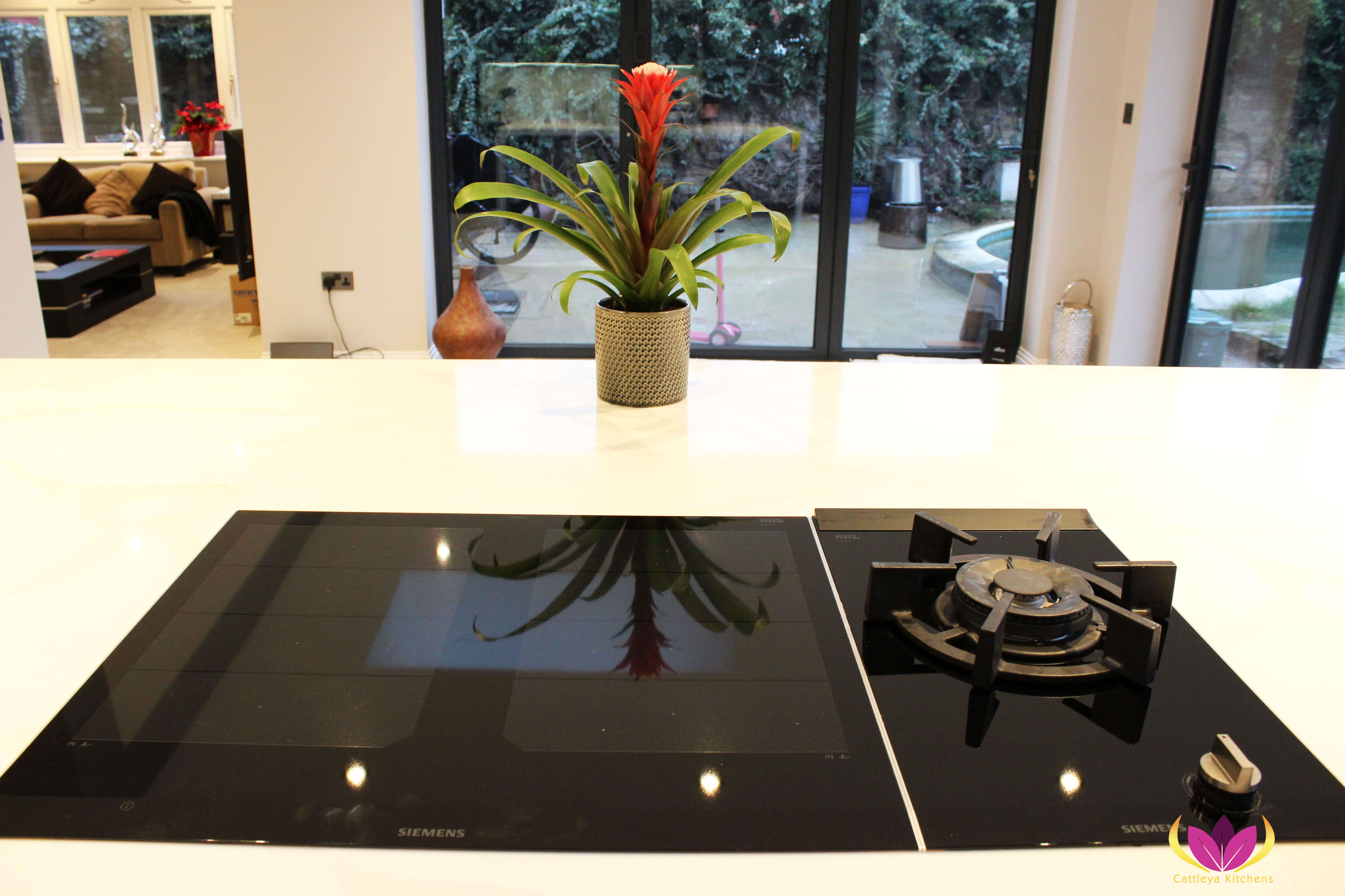 Siemens induction hob & gas hob - Twickenham Finished Kitchen Project