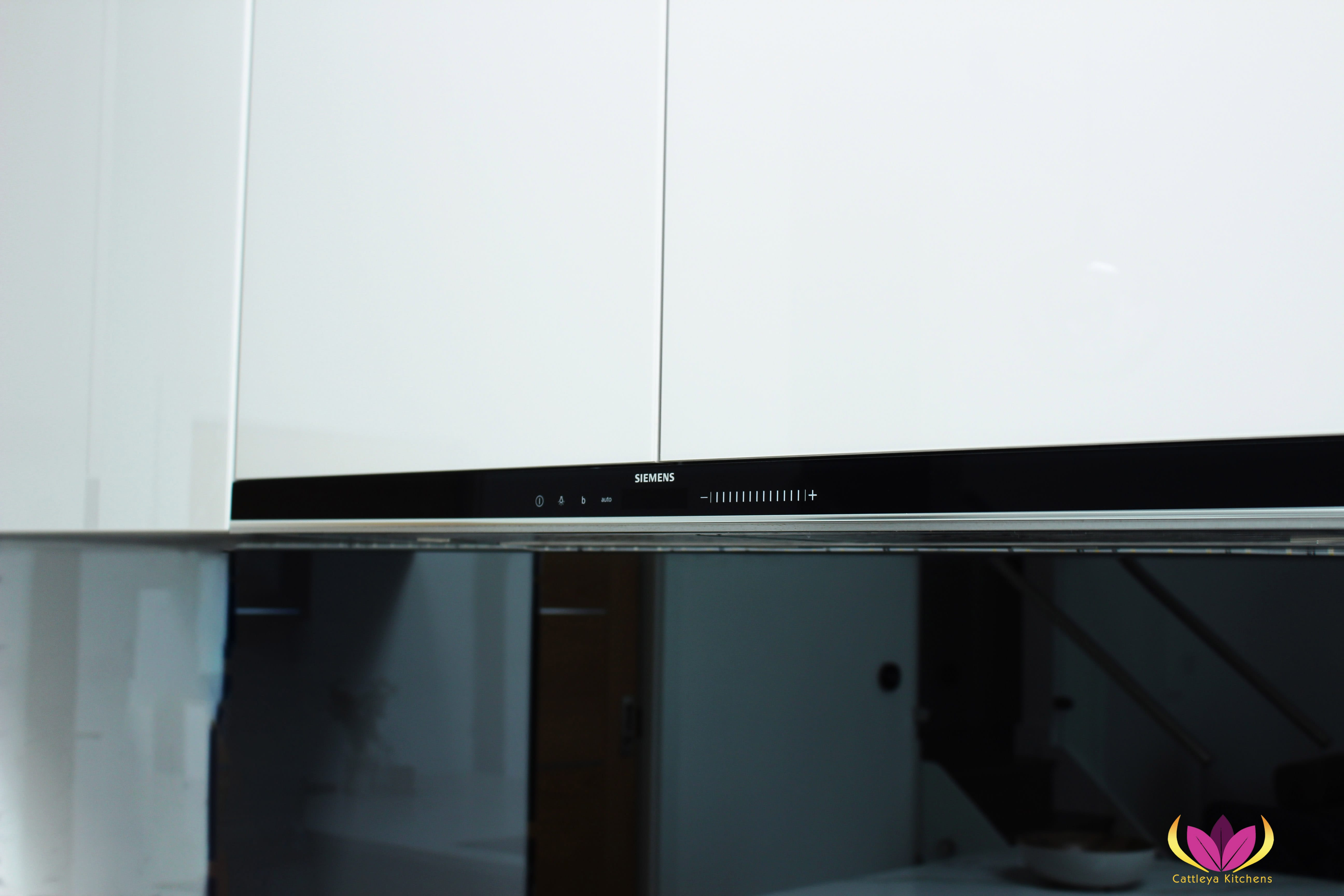 Siemens Venting hobs - Greenford Finished Kitchen Project