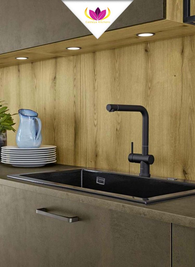 Black Sink and Tap - Top 1606